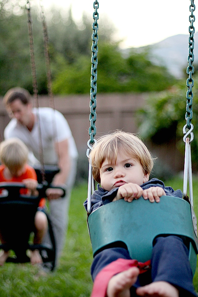 curren swinging