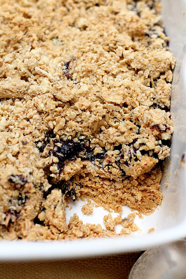 peanut butter and jelly oatmeal bake