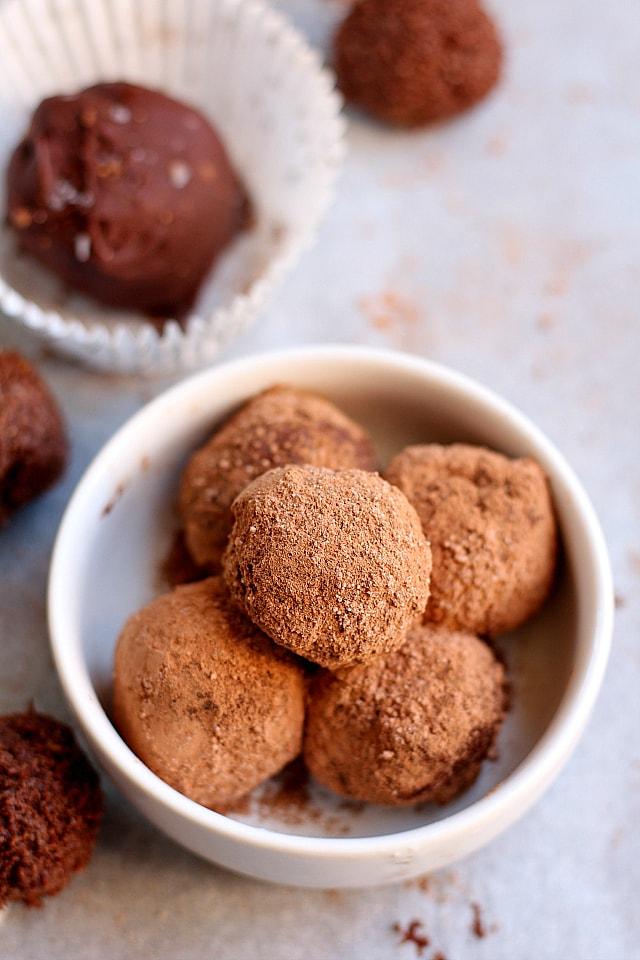 Chocolate truffles made with dates, cashews, protein powder - no added sugar
