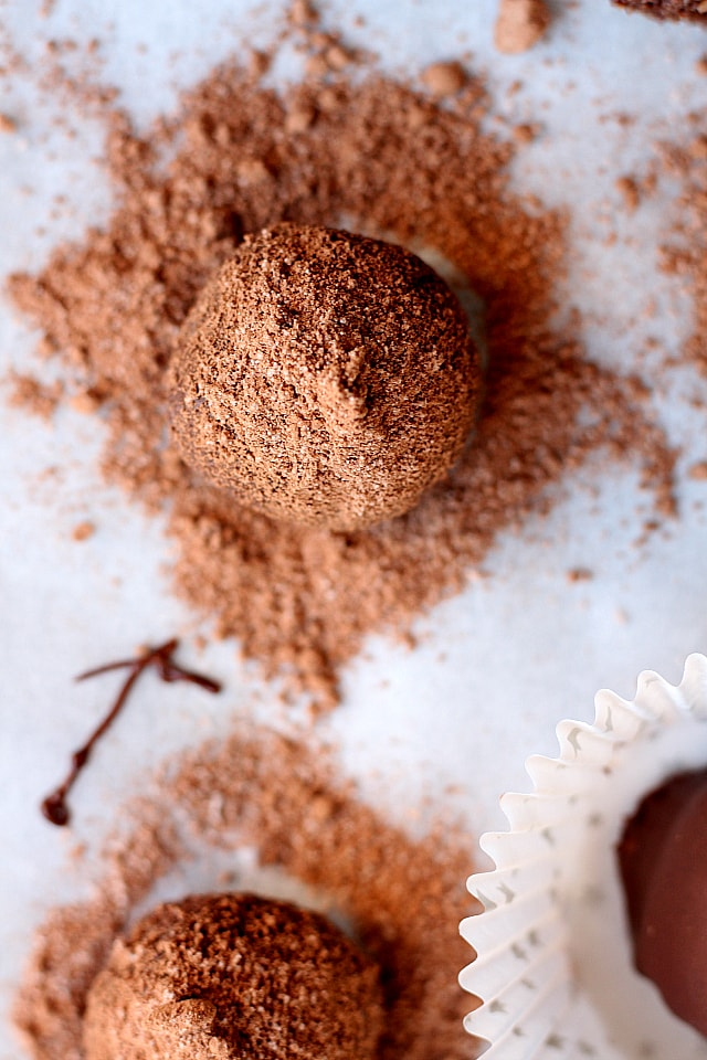 Peppermint Chocolate truffles made with dates, cashews, protein powder and coconut flour