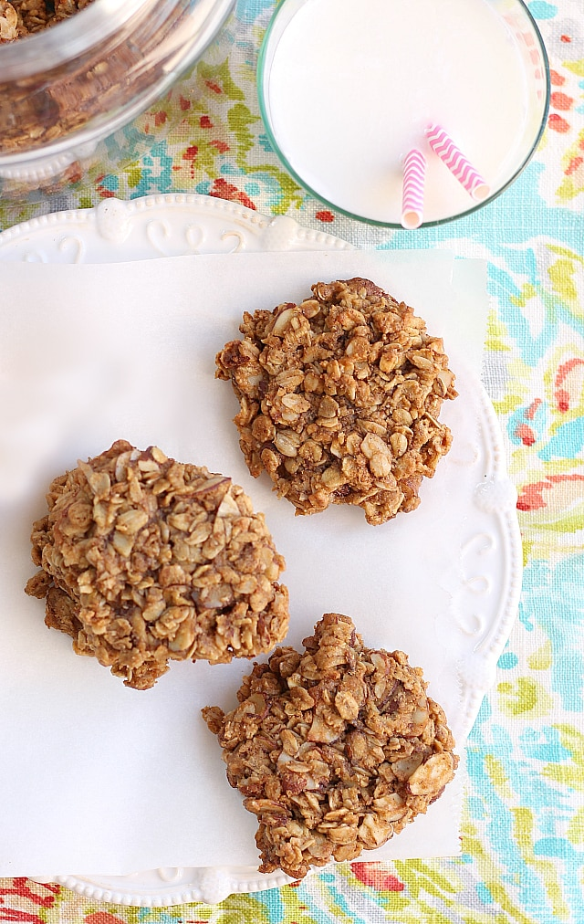 Best soft peanut butter oatmeal cookies!