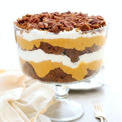 A tasty pumpkin trifle layered with gluten-free gingerbread cake, creamy pumpkin filling and homemade whipped cream. A favorite holiday dessert! #dessert #holiday #Thanksgiving #Christmas #pumpkin #trifle #gingerbread #glutenfree #recipe | Delightful Mom Food