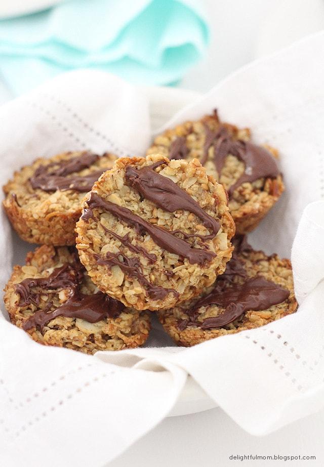 Healthy Coconut Granola Bars With Chocolate