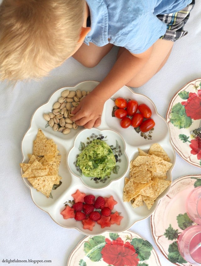 7 Ingredients For A Perfect Indoor Picnic