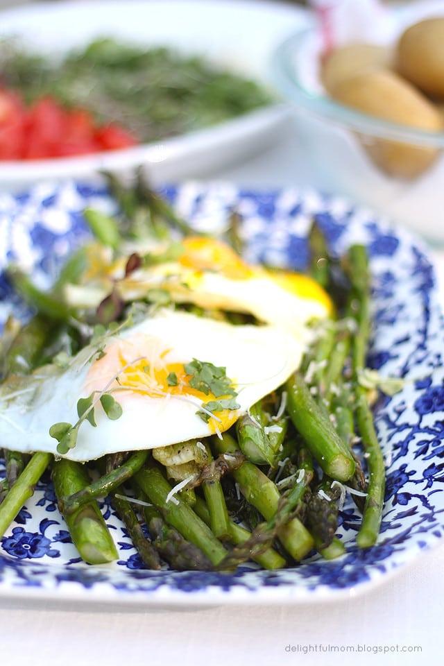 Fried Eggs and Asparagus