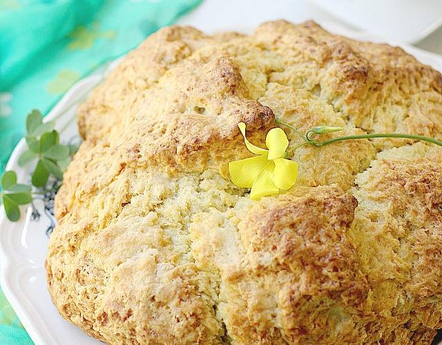 Sour Cream Irish Soda Bread | Delightful Mom Food