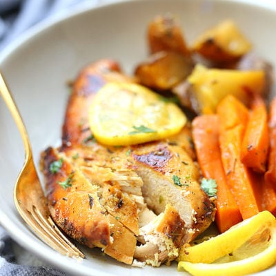 Honey lemon chicken slowly cooked in the slow cooker frees up cooking space and valuable time! The chicken is infused with a marinade of turmeric, honey, lemon and oil creating a delicious meal with a slightly sweet side. #honey #lemon #chicken #recipe #glutenfree #healthy #crockpot #slowcooker | Delightful Mom Food