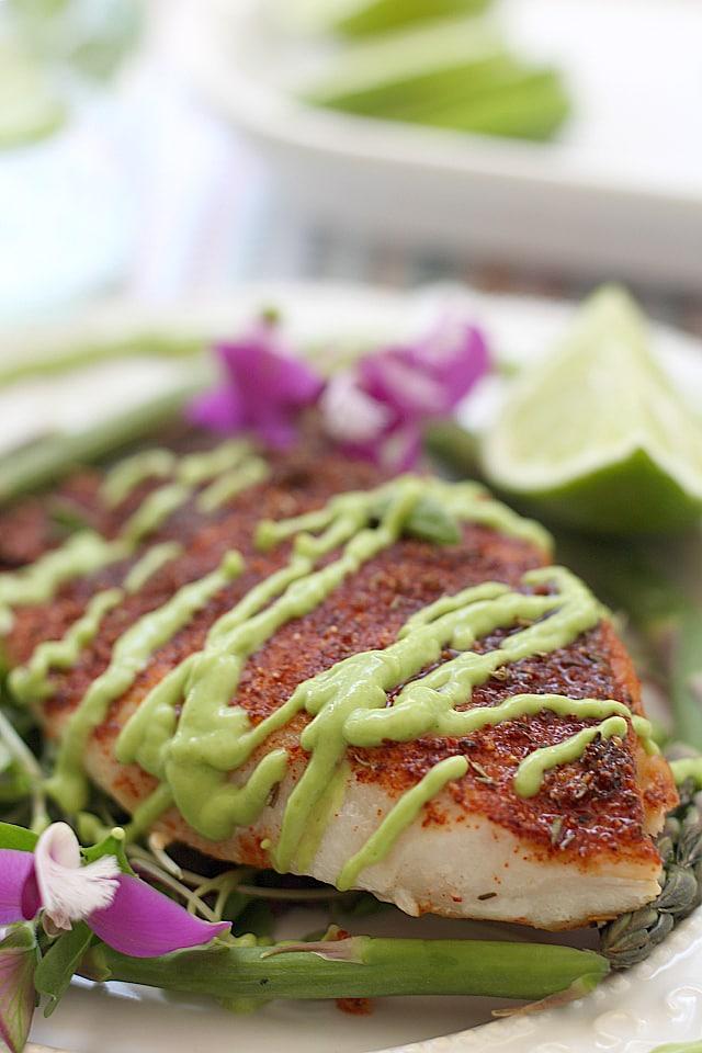 Creamy fish taco sauce! Made with avocado, Greek yogurt, lime and cilantro. So good as a salad dressing too! | Delightful Mom Food
