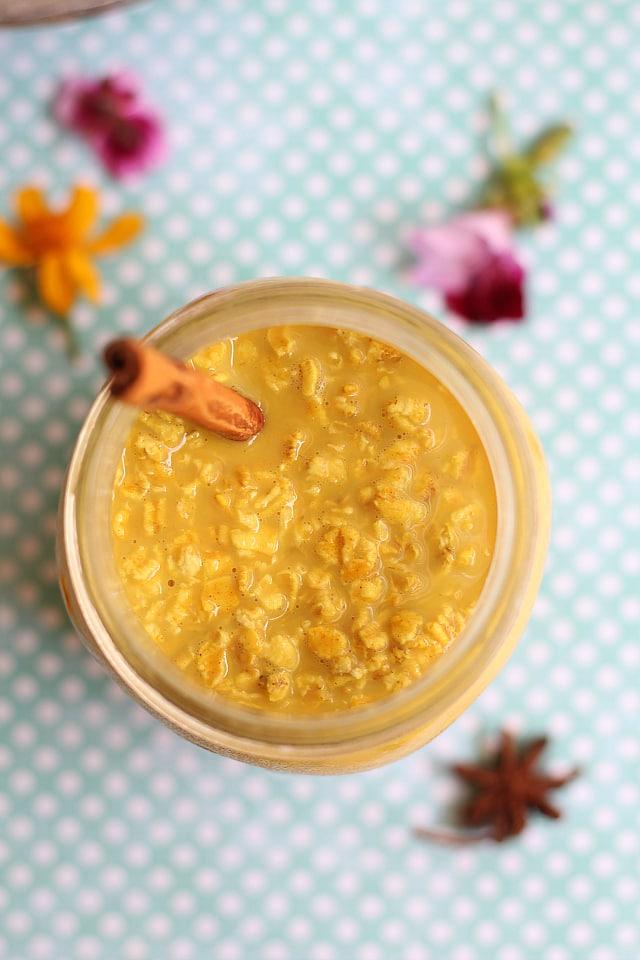 Oats in turmeric and honey golden milk