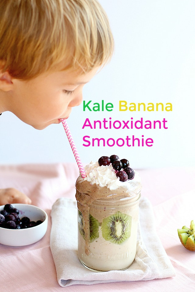 Gotta make this kale banana antioxidant smoothie now! Easy and perfect for after school snacks!
