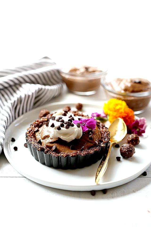vegan chia seed chocolate pudding pie recipe