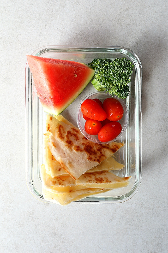 Simple Healthy Gluten-Free lunch ideas to make for school - Week 4! Five gluten-free easy lunch ideas with a shopping list to make your week run a bit smoother. #healthy #glutenfree #lunch #ideas #school #kids #easy #shopping #list | Delightfulmomfood.com