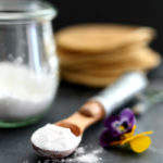 Easily make a homemade baking powder paleo, aluminum free, made without any corn using arrowroot powder, and naturally gluten free! Paleo baking powder is perfect for any grain-free diet! #paleo #baking #bakingpowder #recipe #glutenfree #grainfree #aluminumfree #easy #quick | recipe at delightfulmomfood.com