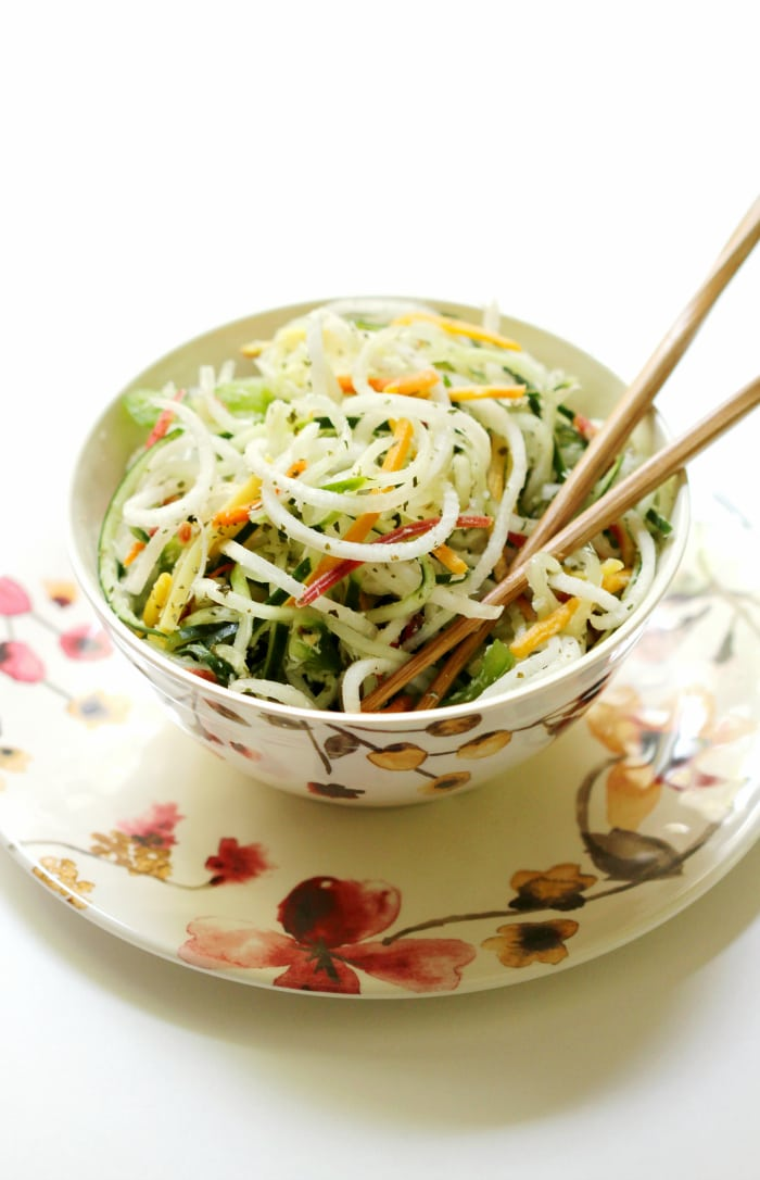Raw Spiralized Thai Salad