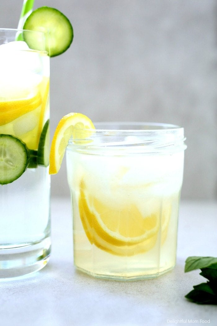 Drinking detox water for weight loss is the ultimate cleanse to heal your gut and transform your body! These detox water recipes boost your metabolism, eliminate toxins and amplify glowing skin! #detox #water #cleanse #recipes #weightloss | Delightful Mom Food