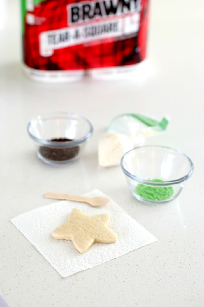Gather the kids and their friends for an epic cookie party! These gluten-free cut out cookies are easy cookies for kids that they can make with their friends for a cookie exchange during the holidays! #cookies #cookie #vegan #glutenfree #cookiesforkids #easytomake #cookieparty #bakingparty #recipe #PutASquareThere #sponsored | Recipe at Delightful Mom Food