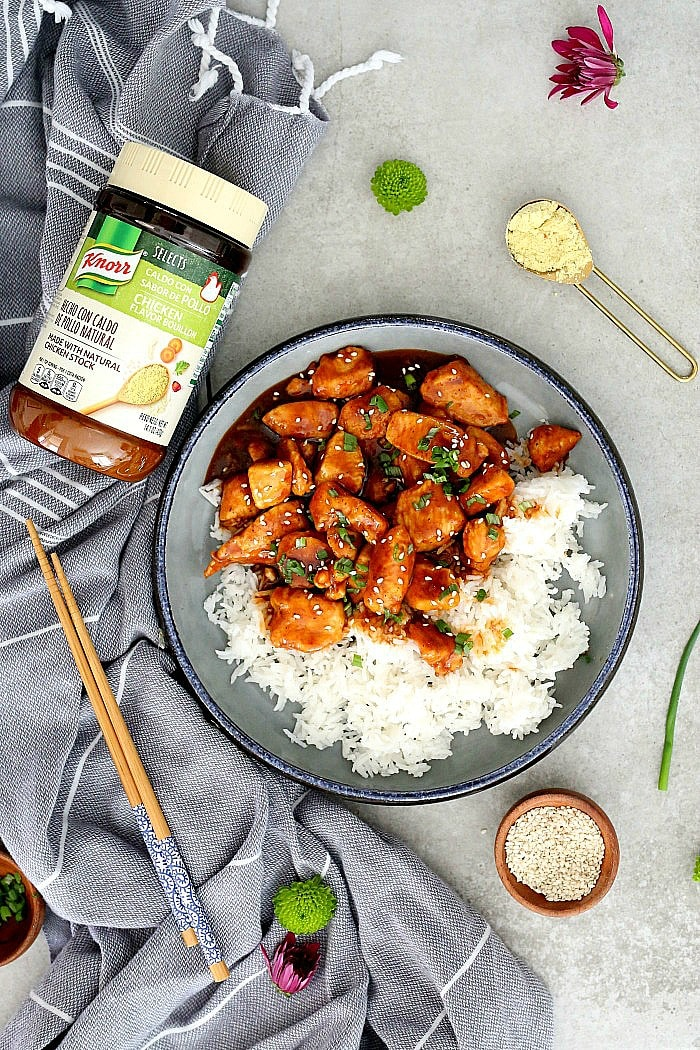 A wholesome and easy Chinese Sweet and Sour Chicken recipe to make on repeat. It is made without breading and coated with an excellent sweet and sour sticky sauce. #sweetandsourchicken #chicken #onepan #30minute #maindish #entree #dinner #wholesome #easy #quick #Chinesechicken #sweetandsour #sauce #glutenfree #dairyfree | Recipe at Delightful Mom Food