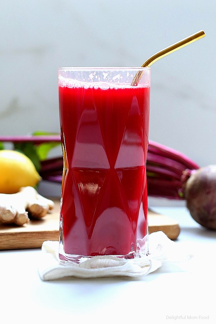 The BEST detox beet juice recipe! This healthy and easy homemade beet juice is made quickly with ingredients that detox for a body cleanse, to help with weight loss, improve skin, lower blood pressure and increase energy! #detox #beetjuice #detoxdrinks #blender #juicer #beets #recipe #bodycleanse #weightloss #recipe #healthy #easy #quick   Recipe at Delightful Mom Food
