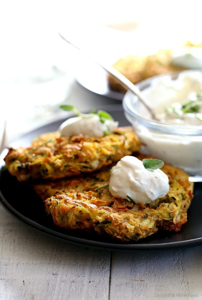 courgette fritters topped with ranch yogurt dip
