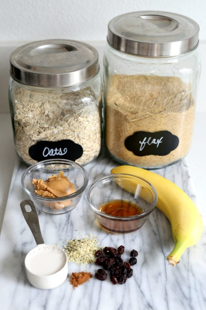 ingredients for making oatmeal with peanut butter
