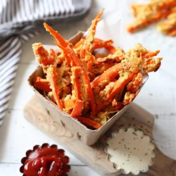 Recipe for Garlic Parmesan topping on Carrot Fries served with ketchup and dressing